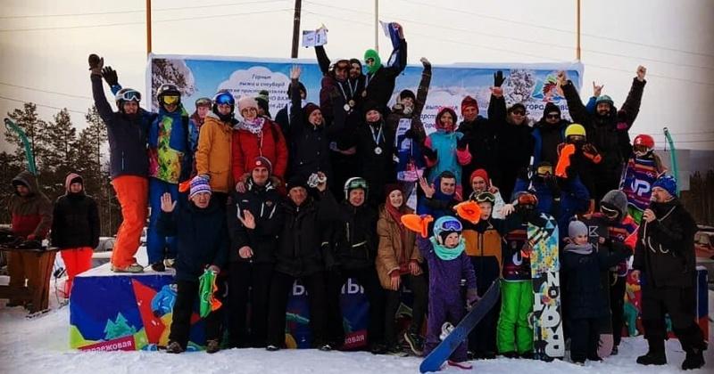 Спортсменки из Магадана стали победителями VII этапа Кубка России по сноуборд-кроссу