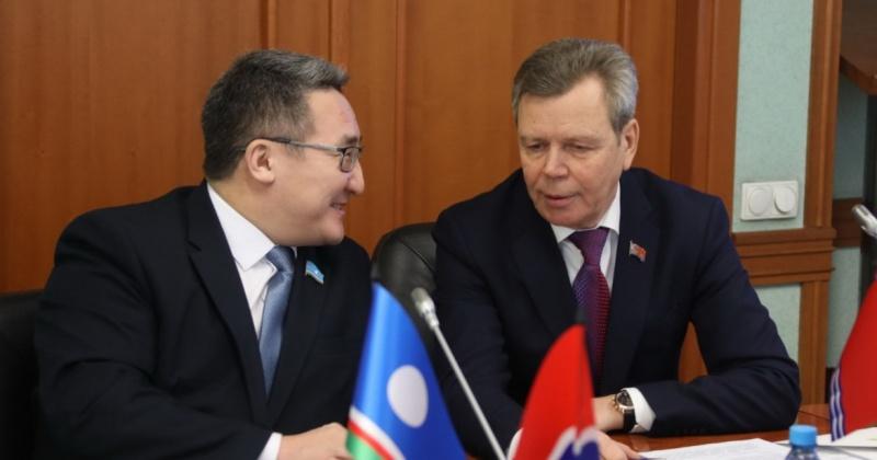 Дальневосточные парламентарии поддержали предложения Сергея Абрамова по расширению гарантий для пенсионеров-северян