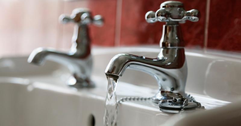 Холодную воду отключат в Третьем микрорайоне Магадана