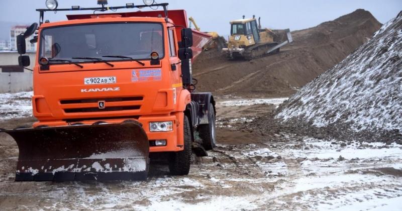 На дороги Магадана выставлено 17 единиц техники предприятия ГЭЛУД.