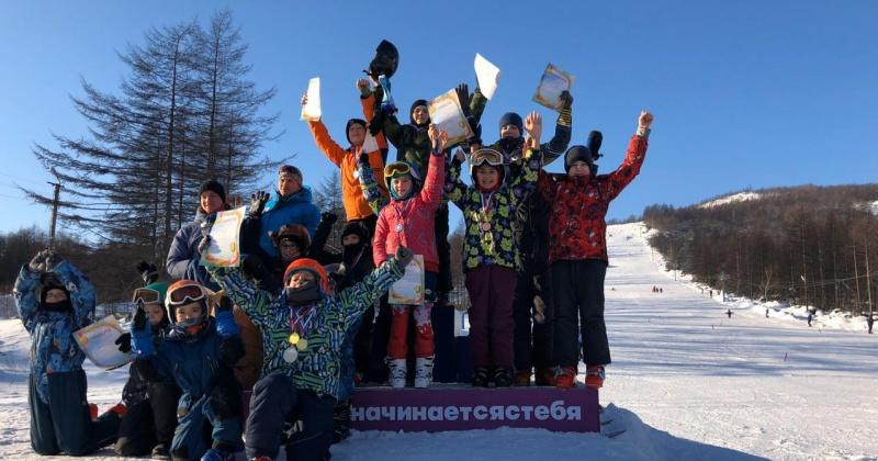 Первые в истории РГШ-Магадана соревнования по фристайлу прошли в минувшие выходные