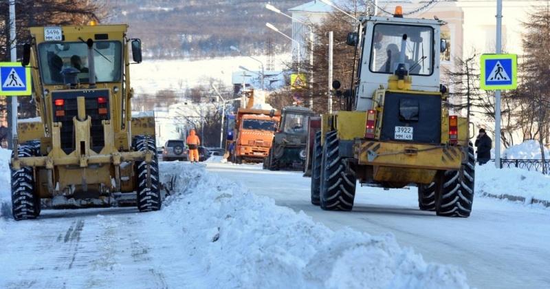 Сегодня с 9.00 до 18.00 ограничат движение на проезжих частях улицы Берзина и Колымского шоссе в Магадане