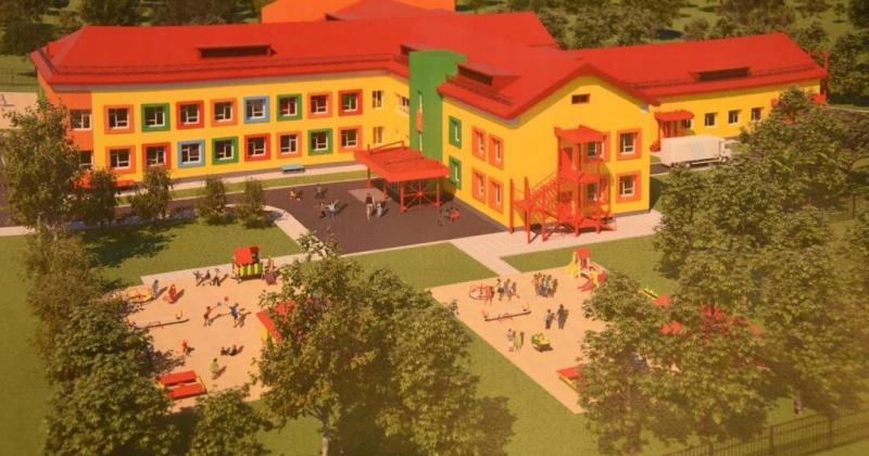 Новой школе в Снежном быть