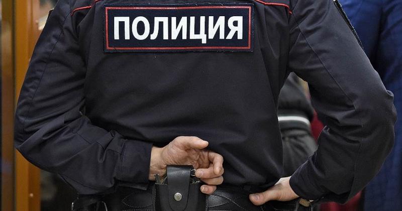 Из банкомата в магазине на пл.Комсомольской житель Магадана украл деньги