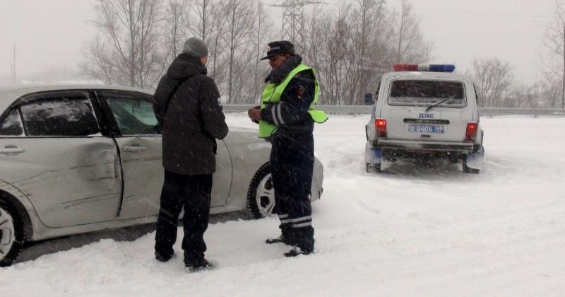 На Колыме за 2019 год выявлено более 54 тысяч правонарушений в области безопасности дорожного движения