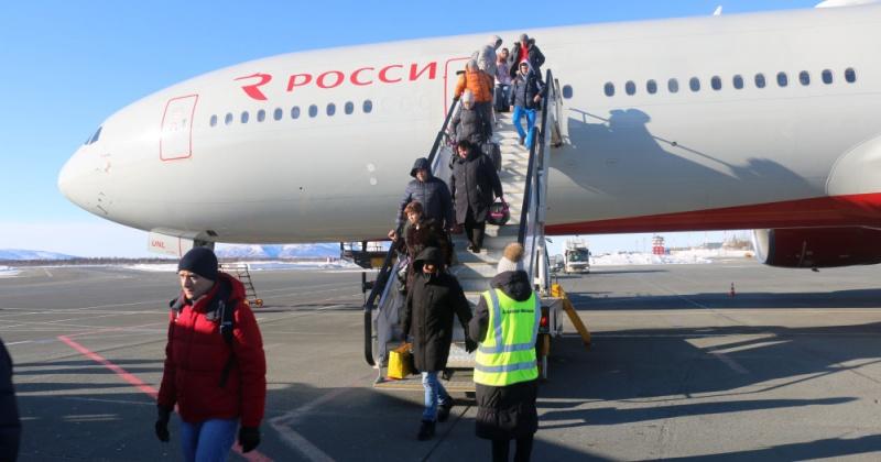 Опрос продолжается. Продавать по квотам или нет билеты на  рейсы из Магадана до Москвы и обратно