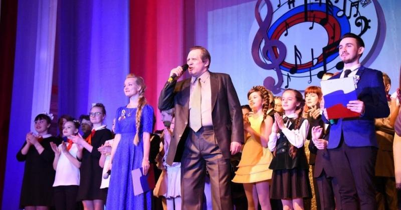 Свыше 70 заявок поступило на конкурс патриотической песни в Магадане