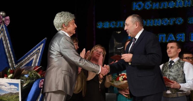 Юбилейный вечер заслуженного артиста Николая Бекасова прошел в Магадане