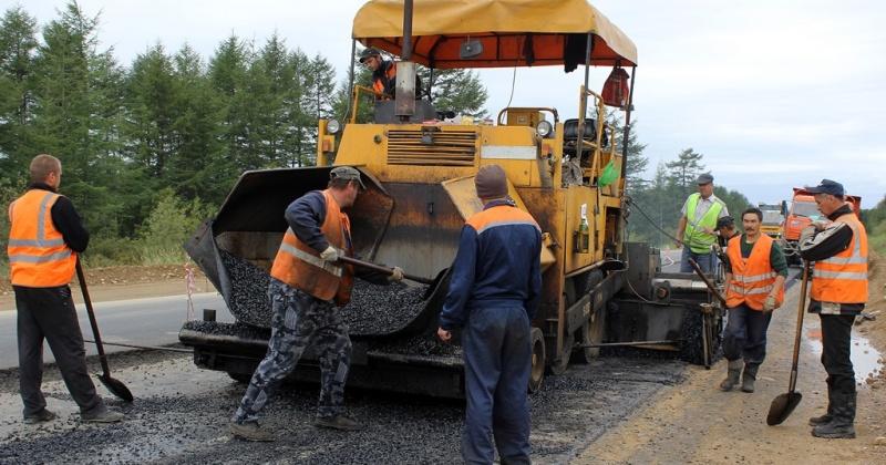 Правительство Магаданской области и «Газпром нефть» заключили соглашение о поставках высокотехнологичных битумов для ремонта дорог