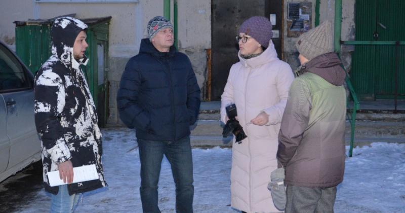 Жители посёлка Снежный в Магадане  жалуются  на неудовлетворительное состояние подъездов и коммуникаций.