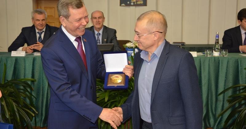 Северо-Восточному комплексному научно-исследовательскому институту ДВО РАН исполнилось 60 лет
