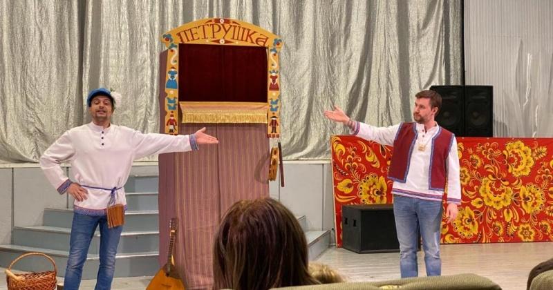 Театр кукол из Магадана выступил с гастролями в п.Уптар