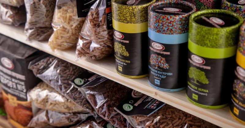 Едовые резервы: продуктов в торговых сетях хватит на восемь недель