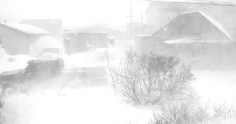 Снег, метель, ветер до 24 м/с завтра в Магадане