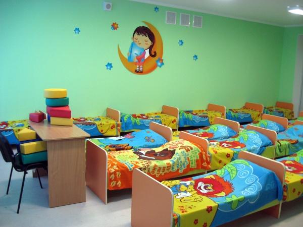 Сергей Носов поручил проработать вопрос с детскими садами для сотрудников, которые будут работать на следующей неделе
