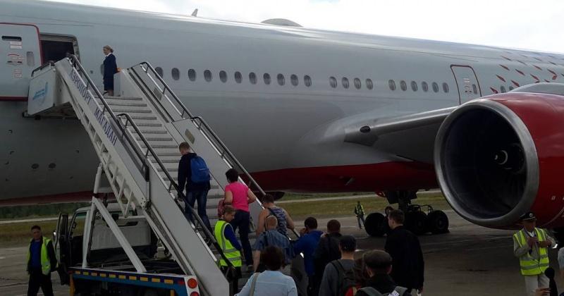 Запретов на поездки в отпуск нет, перемещение по России разрешено. Все аэропорты работают