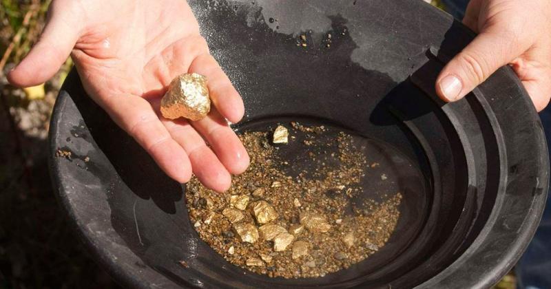 Житель Сусуманского городского округа осужден за незаконную добычу драгоценного металла