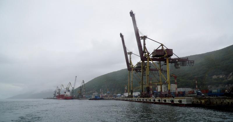 В морском порту Магадан создано подразделение для ликвидации аварийных разливов нефтепродуктов