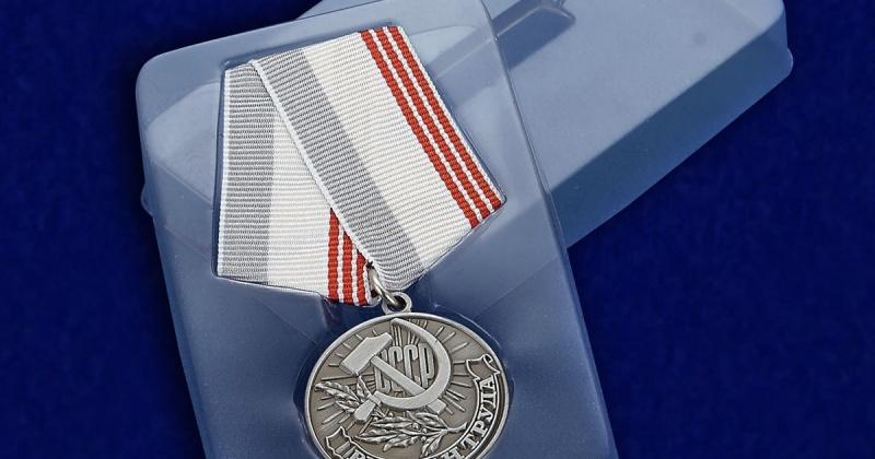 Игорь Донцов предложил вернуть медали «Ветеран труда»