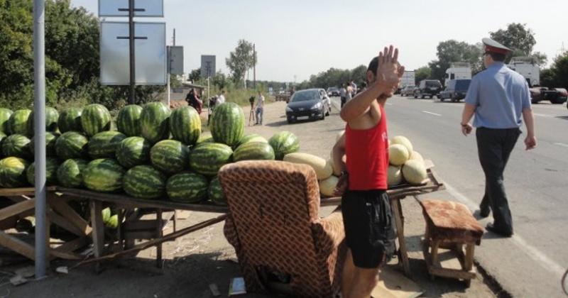 Жителей Магадана и региона начнут штрафовать за  придорожную торговлю