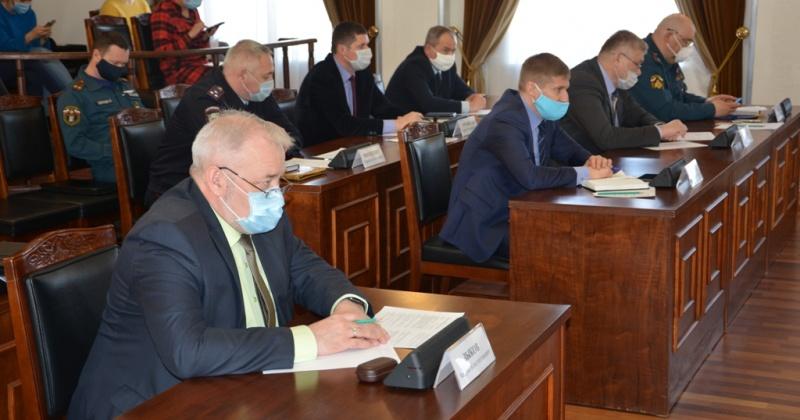 Андрей Зыков: Пик заболеваемости COVID-19 надо пройти, максимально соблюдая все установленные правила безопасного поведения