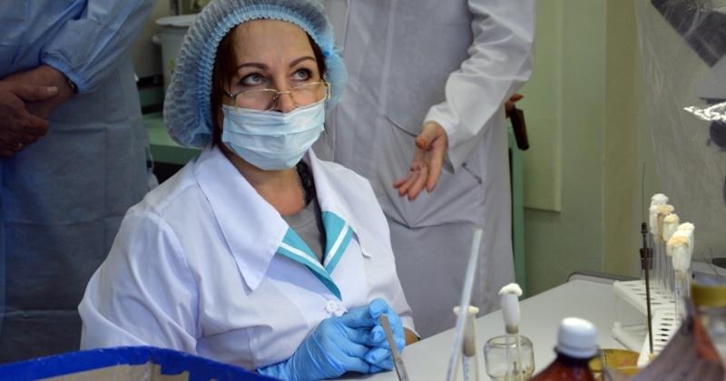 Сергей Абрамов застраховал сотрудников областной больницы в Магадане, подверженных особому риску во время борьбы с коронавирусом