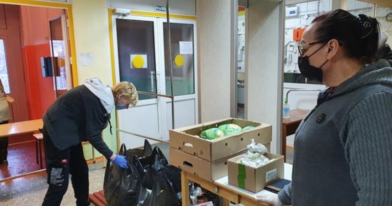 Больше 3-х тыс. продуктовых наборов получат колымские семьи, чьи дети находятся на дистанционном обучении