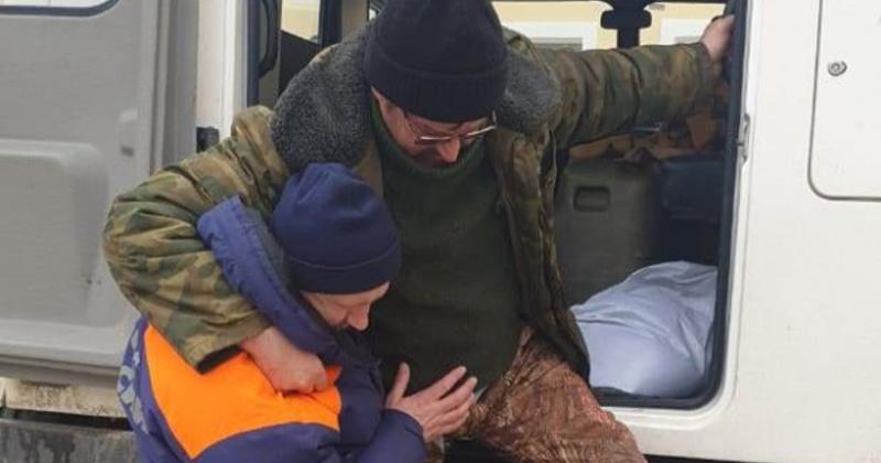 Жителя Магадана эвакуировали спасатели с реки Ланковой