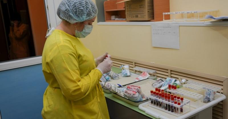Колыма получит дополнительные средства на надбавки к зарплатам медперсоналу, работающему с больными COVID-19