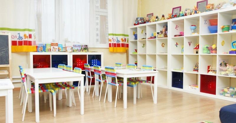 В области работают 34 детских сада, 202 группы. Охват детей составляет 1987 человек