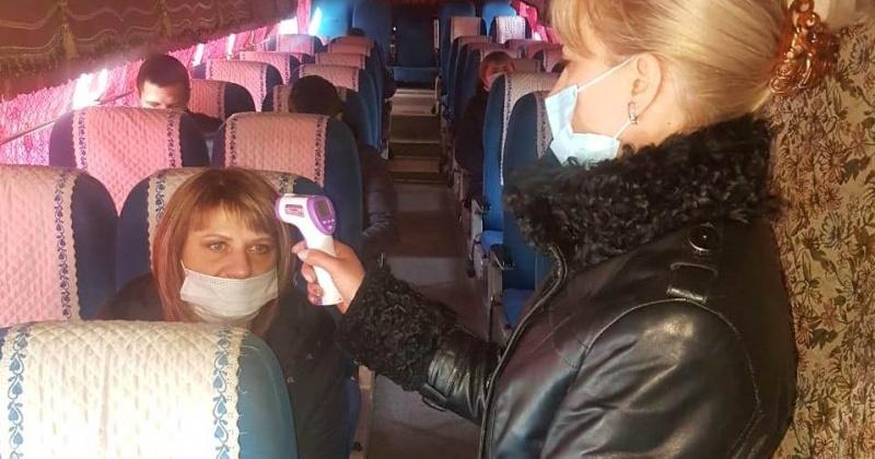 Пассажирам пригородных автобусов Магадана измерят температуру