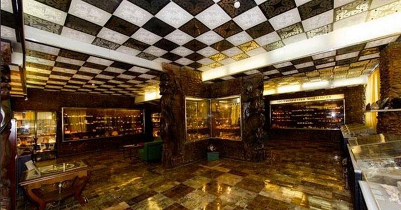 Музей естественной истории СВКНИИ ДВО РАН был образован в Магадане  43 года назад