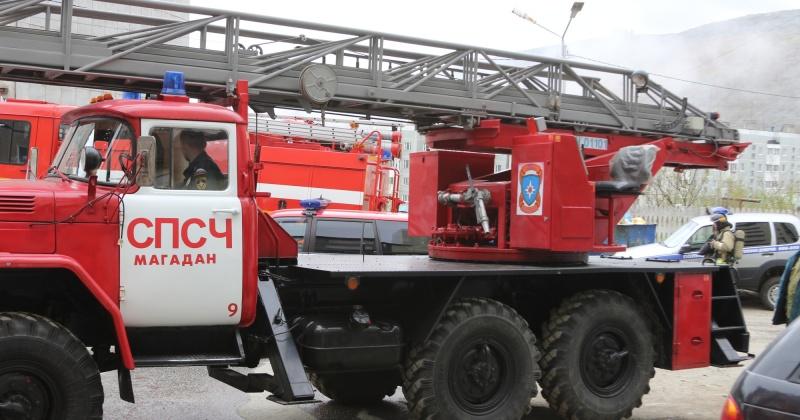 Огнеборцы ликвидировали возгорание по ул. Пушкина в Магадане