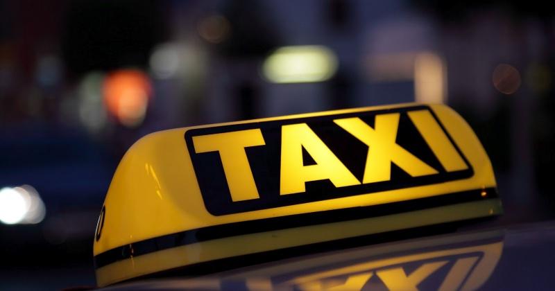 Убить водителя такси намеревался житель Магадана во время поездки