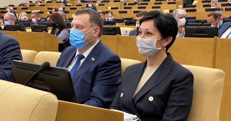 Оксана Бондарь: Третий пакет антикризисных законопроектов, подготовленных по инициативе  Президента РФ, станет для россиян ещё одним хорошим подспорьем