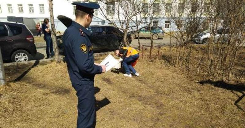 Ежедневно осужденные к обязательным работам выходят на уборку Магадана