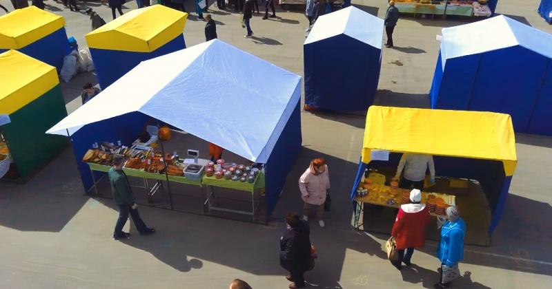 В Магадане сегодня прошла первая в этом году ярмарка выходного дня под открытым небом