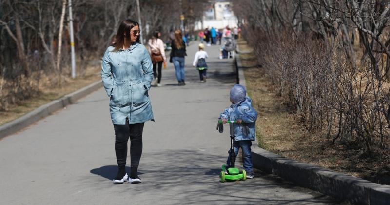 Подать заявление на единовременную выплату детям от 3 до 16 лет могут не только родители, но и опекуны