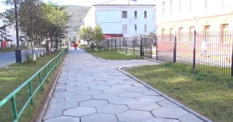 Мэр Магадана ищет шестигранные тротуарные плиты