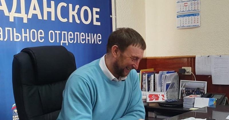 Жителям поселков Снежный, Уптар и Сокол раздали средства защиты