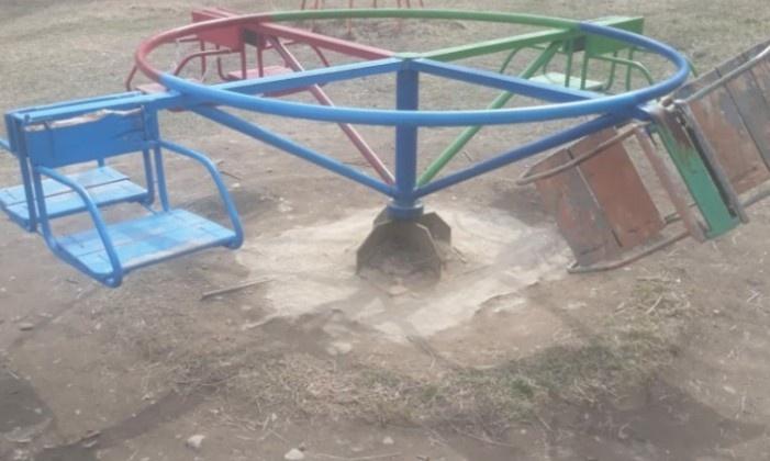 Прокурор Магадана внес представления по факту ненадлежащего содержания детских игровых площадок