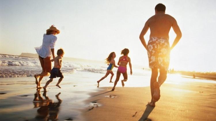 Многодетным семьям предлагают предоставить приоритетное право на выбор времени отпуска вплоть до достижения старшим ребенком 18 лет