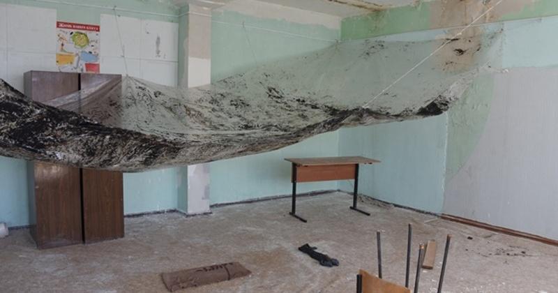 В школе № 28 в Магадане завершены работы по установке оконных и дверных ПВХ блоков
