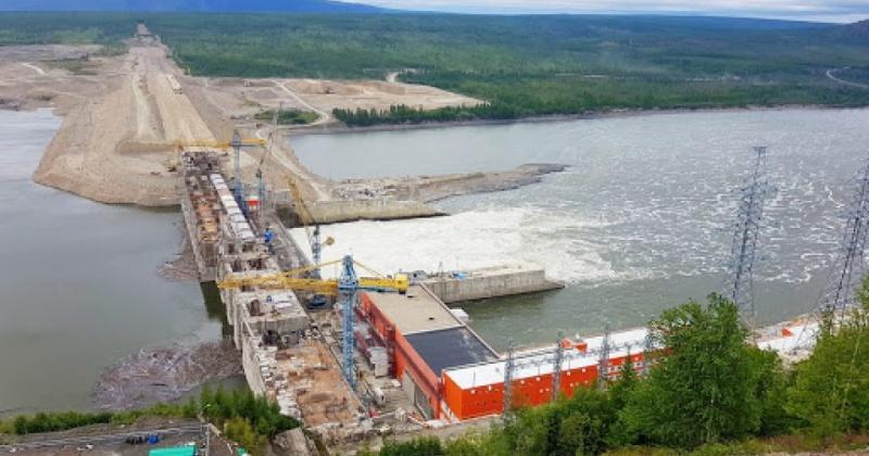 Строителей Усть-Среднеканской ГЭС на Колыме закрыли на карантин из-за вспышки COVID-19