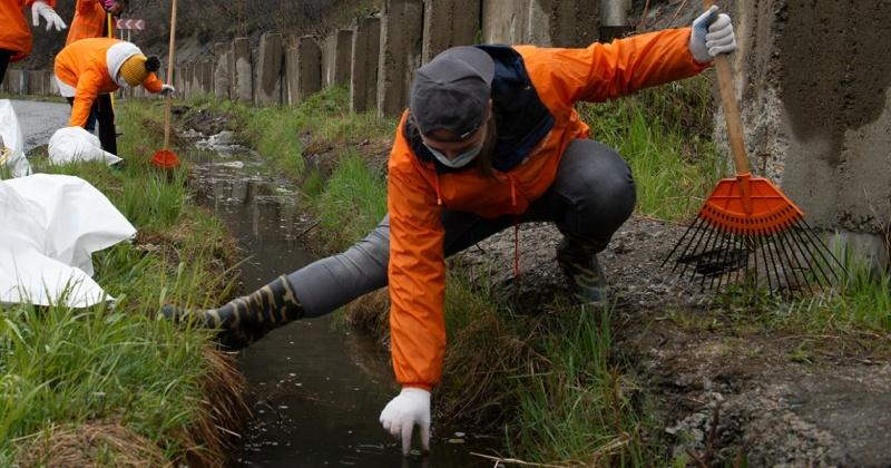 Жители Магадана присоединяются к уборке города