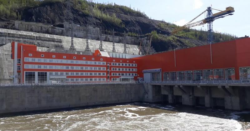 Усть-Среднеканская ГЭС переведена на вахтовый метод работы