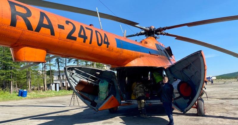 Одноразовые маски, перчатки и антисептики вертолетом доставят в Северо-Эвенский городской округ