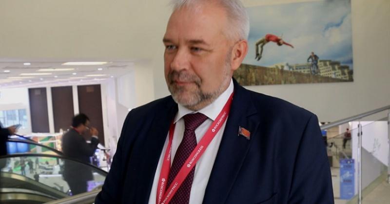 Андрей Зыков: Власти ведут тщательную подготовку к плебисциту по поправкам в Конституцию РФ с целью максимально обезопасить здоровье граждан