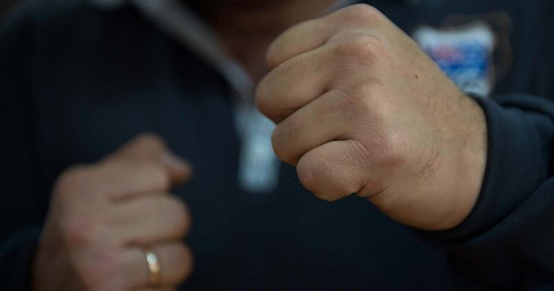 Обидевшись на оскорбления брата , житель Магадана насмерть забил своего знакомого