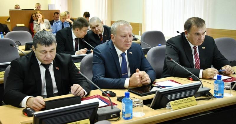 111 законопроектов внесли депутаты Магаданской областной Думы в течение действия полномочий шестого созыва